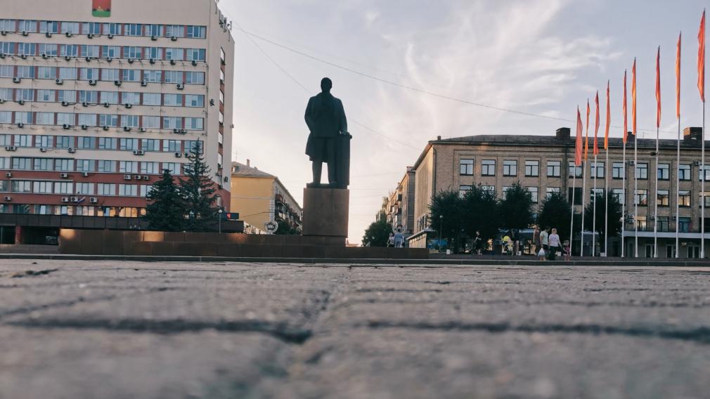 Как называлась площадь Ленина без памятника Ленину?