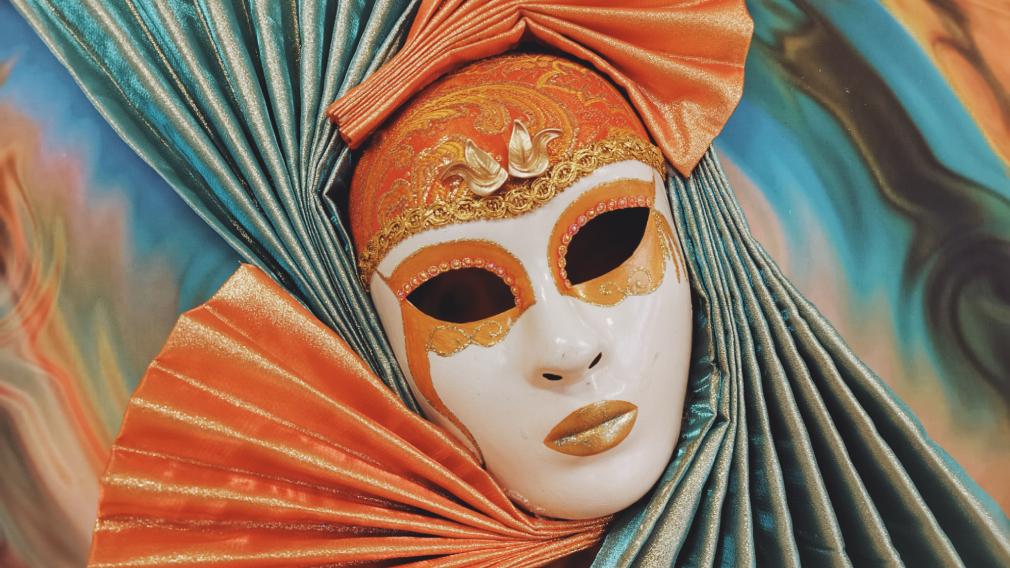 Некоронавирусные (почти!): семь любимых масок венецианцев