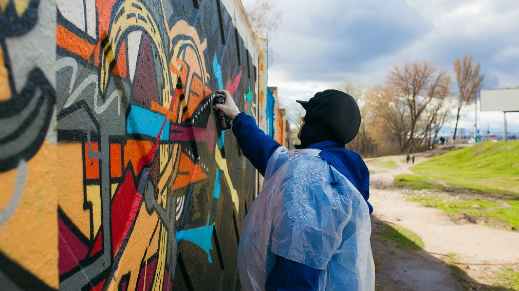 «Потому что цвет — это жизнь»: как удержать и поддержать творческую молодёжь в Брянске?