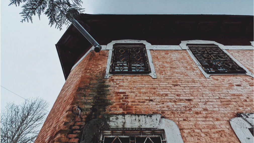 Архитектурная прогулка по Ульянова: часть первая