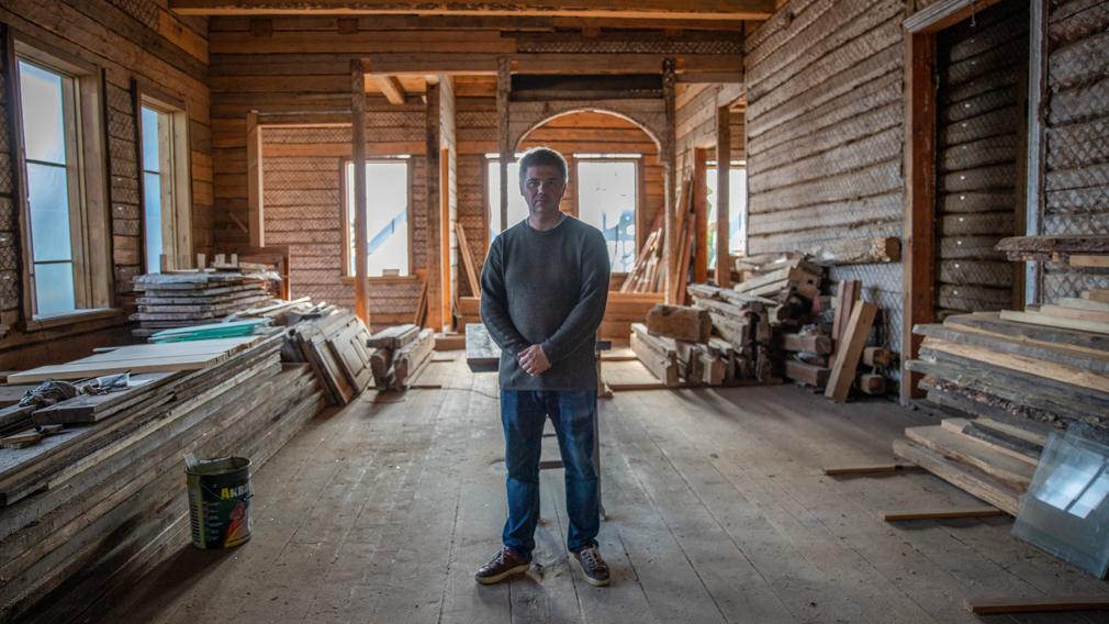 Как спасают старину: экскурсия по особняку фабриканта Осипова вместе с его хозяином