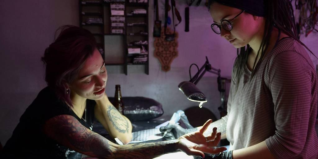 Как девушка из Брянска стала тату-мастером в Киеве