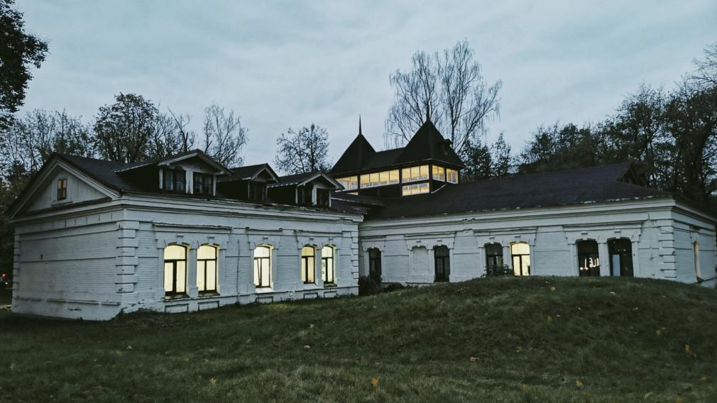 Общественного значения: крайняя архитектурная прогулка по старой Бежице