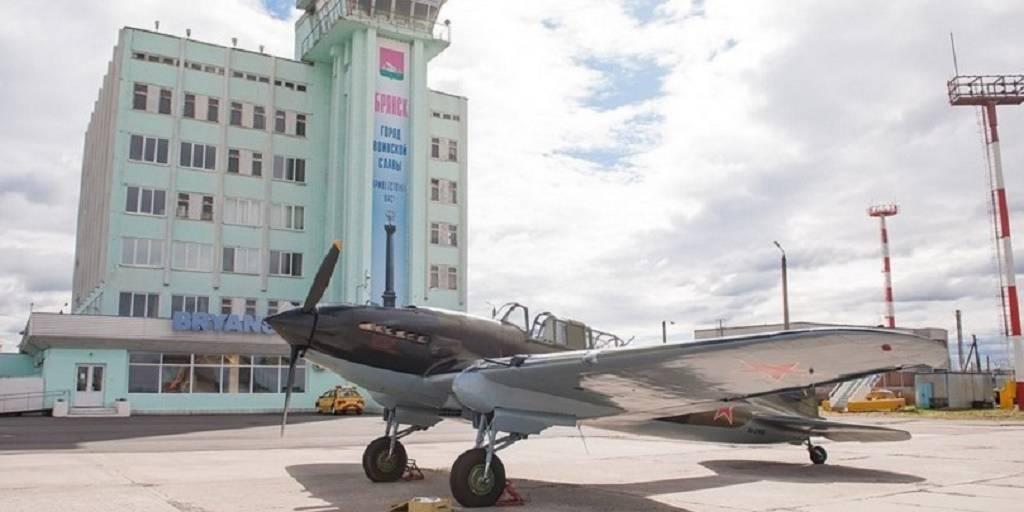 Легендарный «ИЛ-2» по пути в Берлин приземлился в Брянске: фото