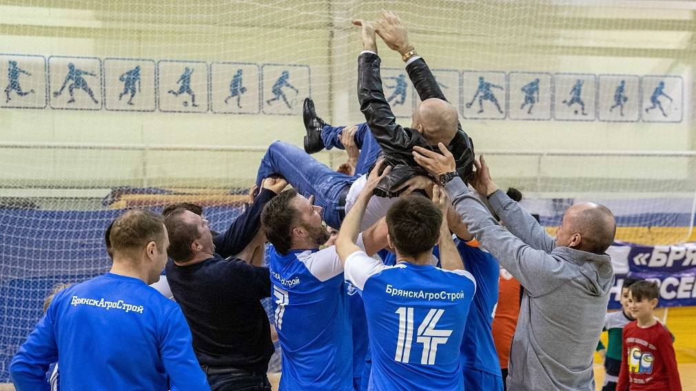 «БрянскАгроСтрой» стал чемпионом области по мини-футболу