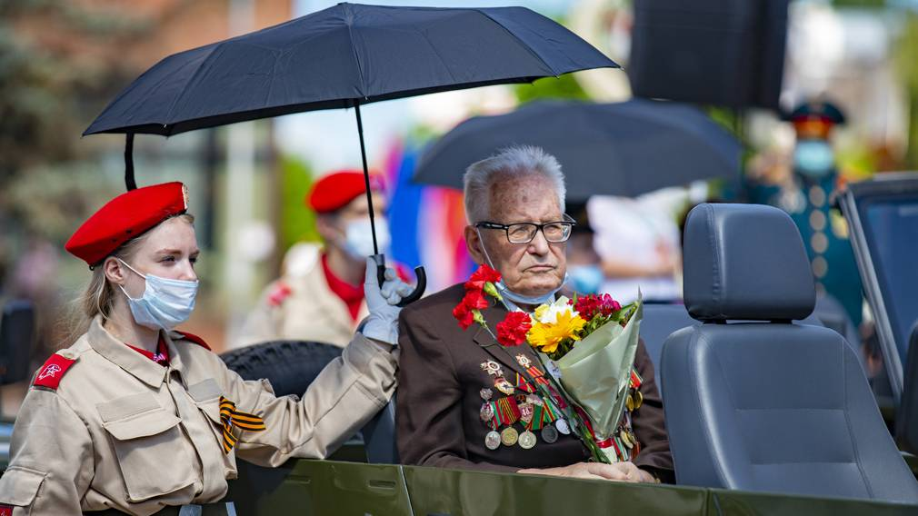 Марш Победы в Брянске: фоторепортаж